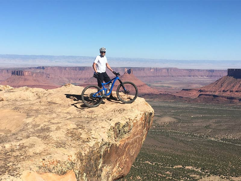 RIDE-run-the-canyons-mountainbike-rejser-moab-langt-ned
