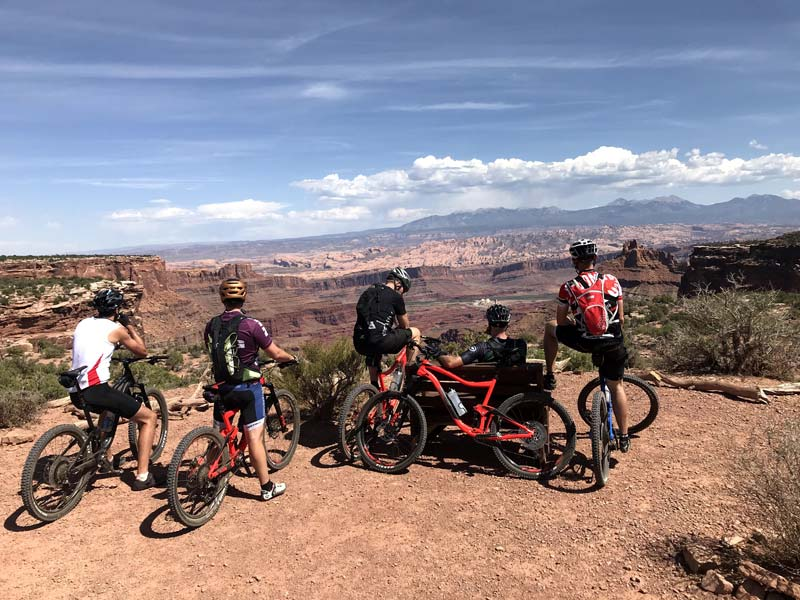 RIDE-run-the-canyons-mountainbike-rejser-moab-udsigt